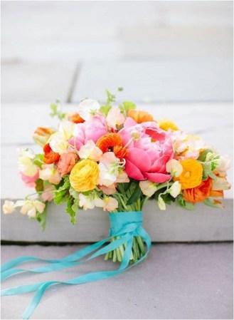 clashing-colour-bridal-bouquet-jodi-miller-photography