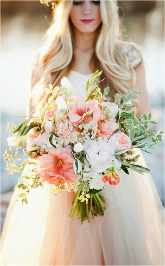 oversize-bridal-bouquet-kristina-curtis-photography