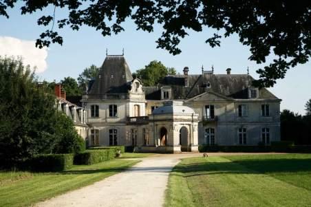 Chateau-de-Tiregand-FACADE-0000
