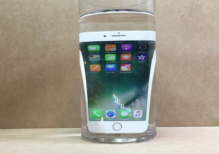 iphone-7-water-1