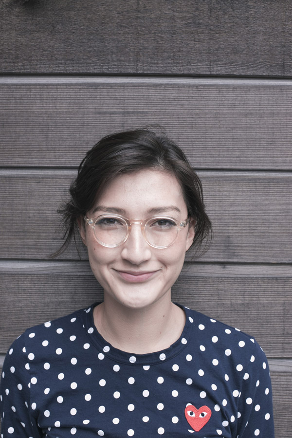 female wearing MOSCOT MILTZEN color* Flesh - 2 -