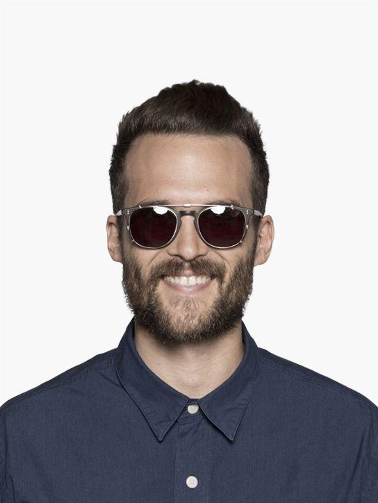 male wearing GLCO / Kinney  Clip