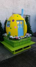 Easter House Display 1