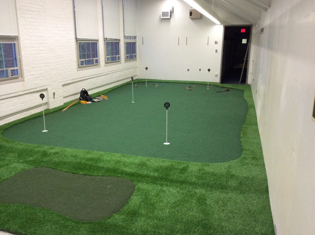 College Golf Room