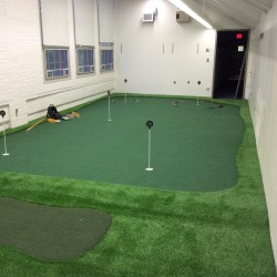 College Golf Room