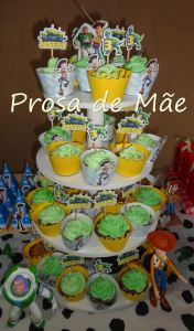 Festa Toy story, 3 anos, torre de cupcakes, wrappers, toppers