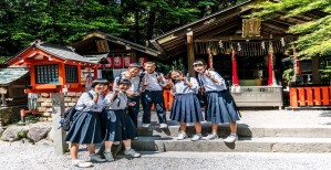 Read more about the article Pros and Cons of School Uniforms