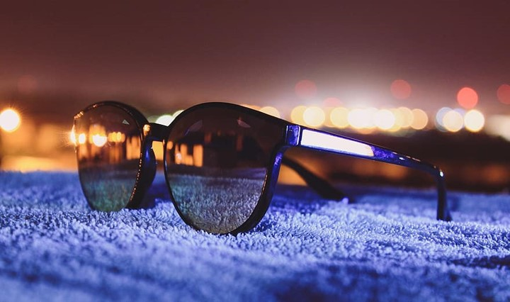 Pros and cons of mirrored sunglasses