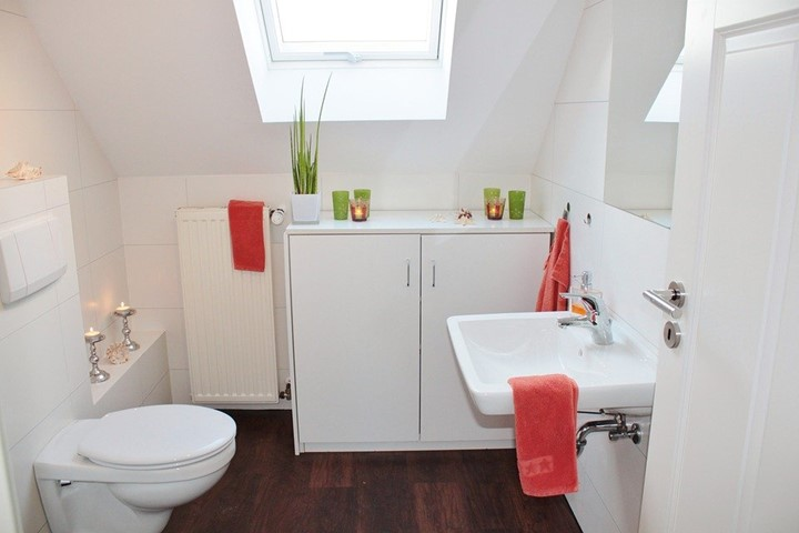 You are currently viewing Pros and Cons of Upflash Toilets