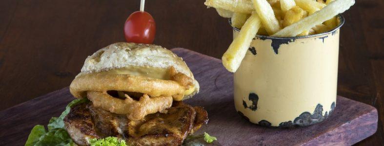 Food photographer De Kloof Restaurant_Chicken burger and chips