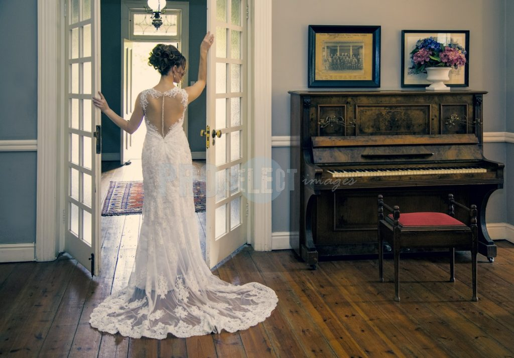 Bride and piano | ProSelect-images