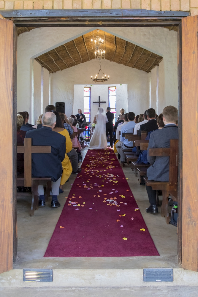 Chapel Watercrest bride and groom | ProSelect-images