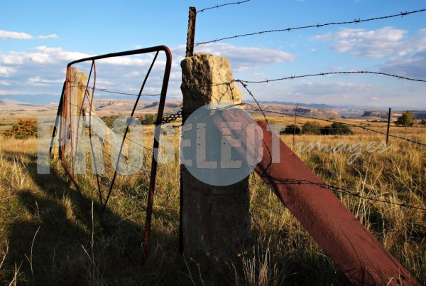Old farm gate Clarens   ProSelect-images