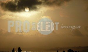 On the beach silhouette | ProSelect-images