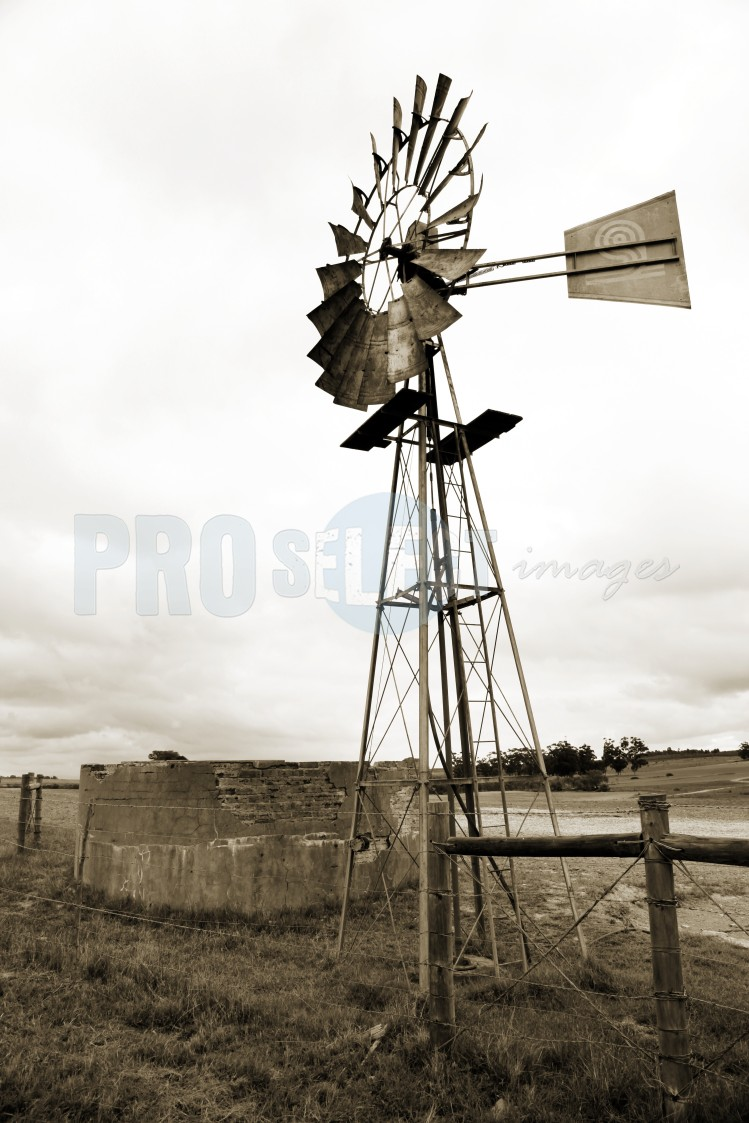 Windpump and dam Malmesbury | ProSelect-images