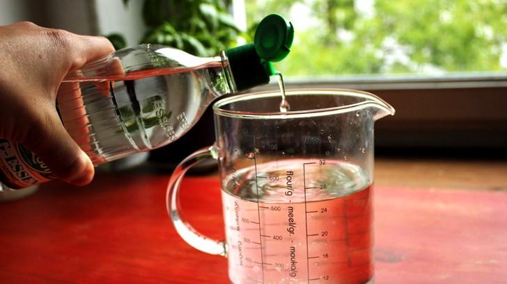 Limpiar el microondas con vinagre