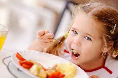 子供が食べる