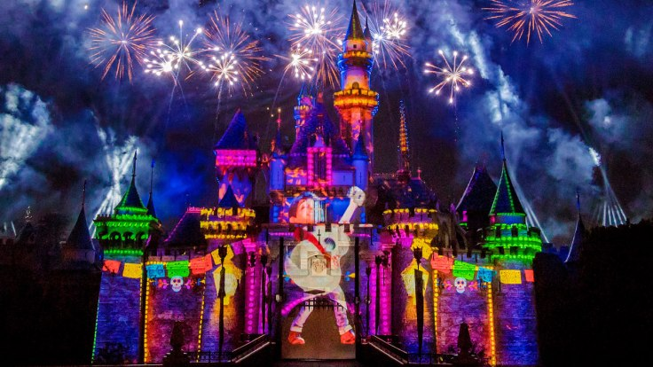 Miguel-from-Coco-projected-on-the-Sleeping-Beauty-Castle