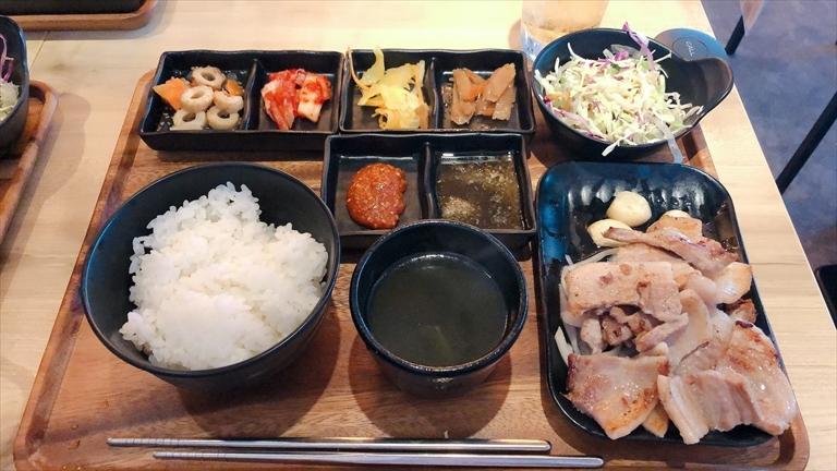 韓国料理サムギョプサル