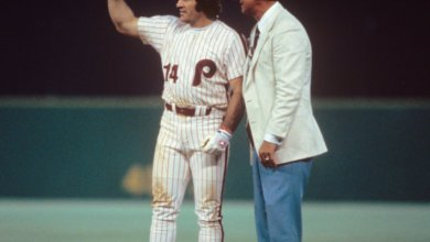Photo of On This Day: Pete Rose Ties Stan Musial's NL Hits Record