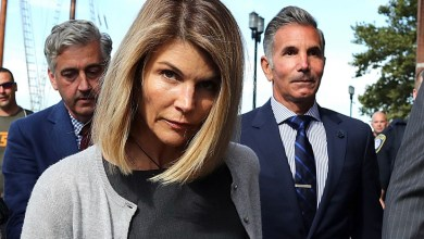 """Photo of Lori Loughlin AKA """"Aunt Becky"""" Gets 2 Months in Jail!!!!"""
