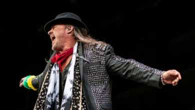 Photo of Chris Jericho Concert Blamed for Massive COVID Outbreak