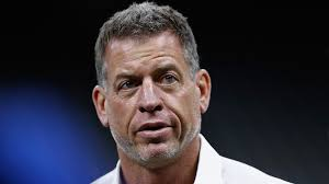 Photo of Troy Aikman has a HOT Take About Aaron Donald
