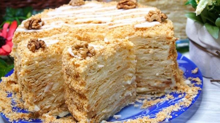 Незвичайний торт «Мокрий Наполеон» зі смаком підталого пломбіру