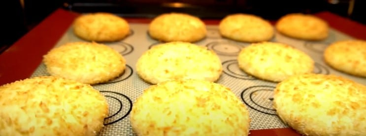 Сирники в духовці: без масла з мінімальною кількістю борошна