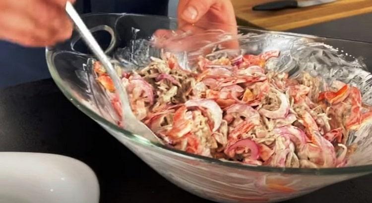 Салат «Вогонь» всього з трьох смачних інгредієнтів. Смачно, пікантно і ароматно