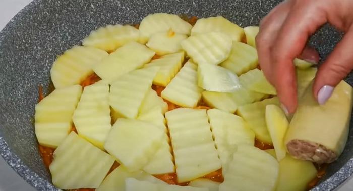 Приголомшливий обід або вечеря на сковороді з простих продуктів