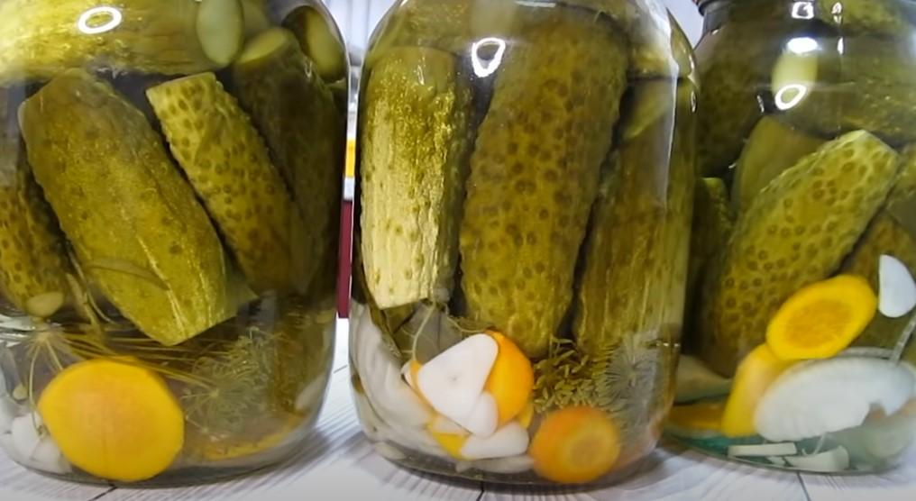 Смачні та хрусткі огірки на зиму. Рецепт маринування простий
