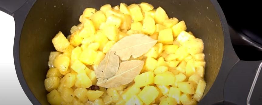 Знайома з роботи підказала рецепт! Картопляне пюре готую тепер тільки так
