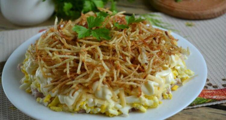Салат з картопляною стружкою