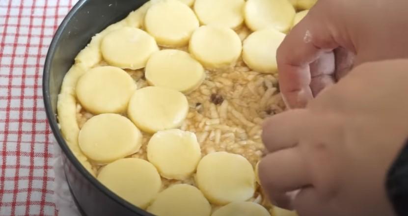 Берлінський яблучний пиріг: з таким пирогом і торт не потрібен. Смачна здоба до чаювання