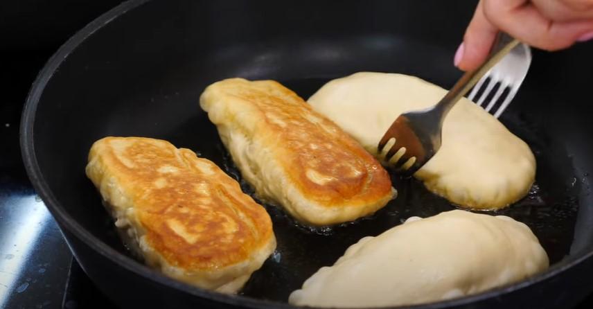 Домашні пиріжки з картоплею. На кефірі: дуже м'яке тісто