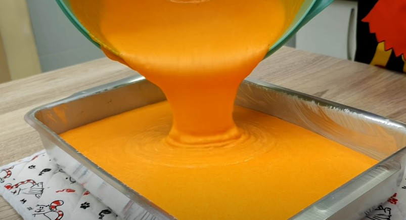 Коли роблю морквяник, нічого не залишається в той же день. Торт - осіння прикраса столу