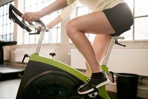 Как нужно заниматься на велотринажере чтоб быстро сбросить вес