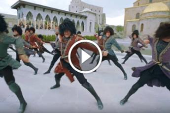 Великолепный ролик от неповторимого ансамбля народного танца «Сухишвили». Нет слов!
