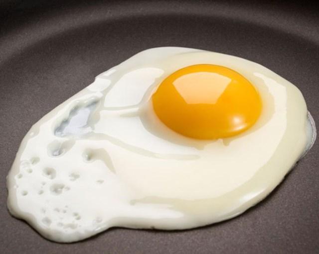 В день необходимо съедать 3 яйца. Именно 3! 9 причин