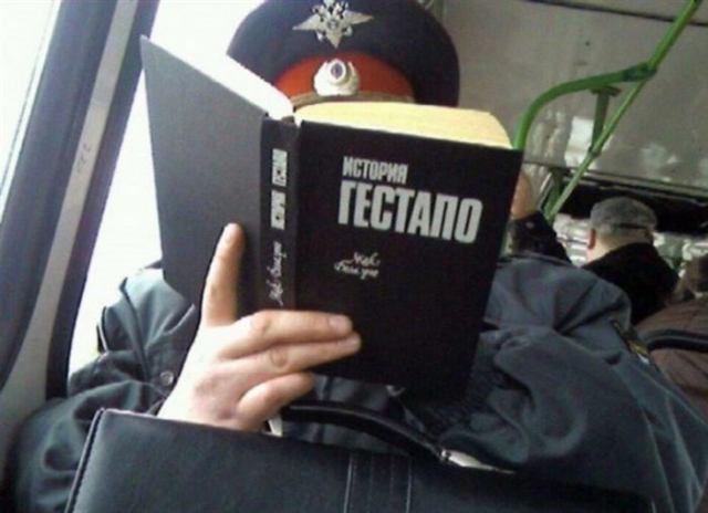 В метро ездят самые читающие люди