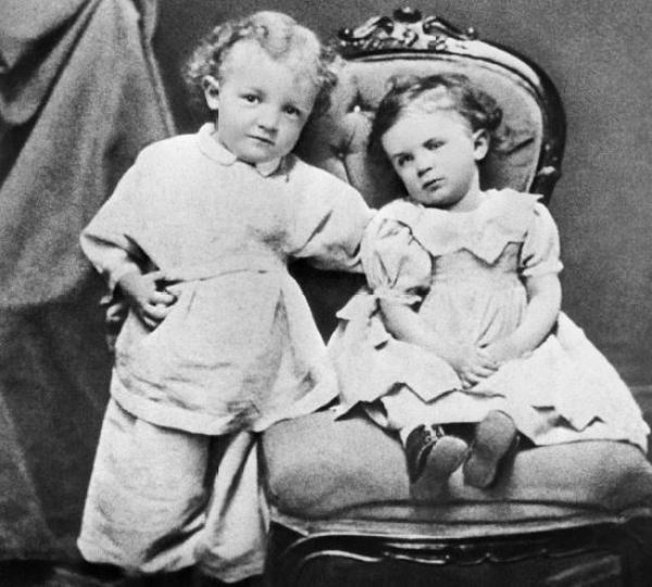 «И дедушка Ленин был молодым». Редкие фотографии Ильича до 30 лет