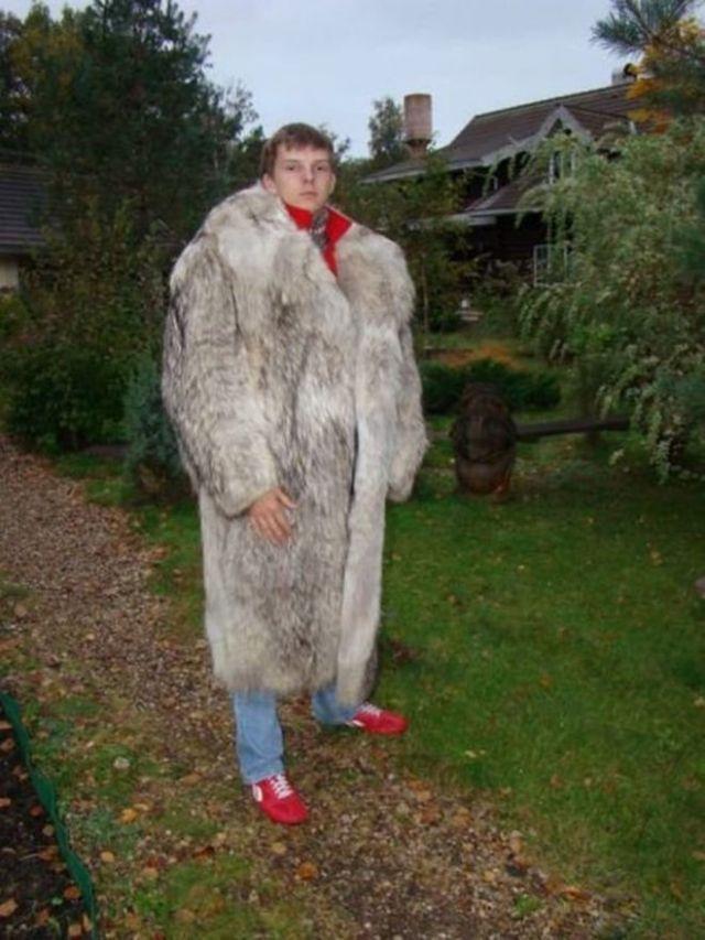 """""""Одежда не по размеру?"""" - 13 забавных снимков людей, которые носят одежду не своего размера"""