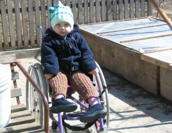 Девушка-инвалид с редким недугом, стала мамой, несмотря на запреты врачей