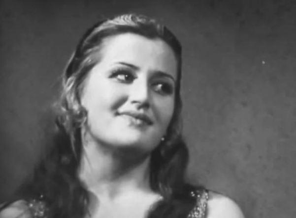 Как сложилась жизнь танцующей красавицы из фильма «Афоня»
