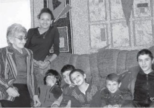 Как сложилась судьба женщины, которая воспитала 33 приёмных ребёнка из разных стран