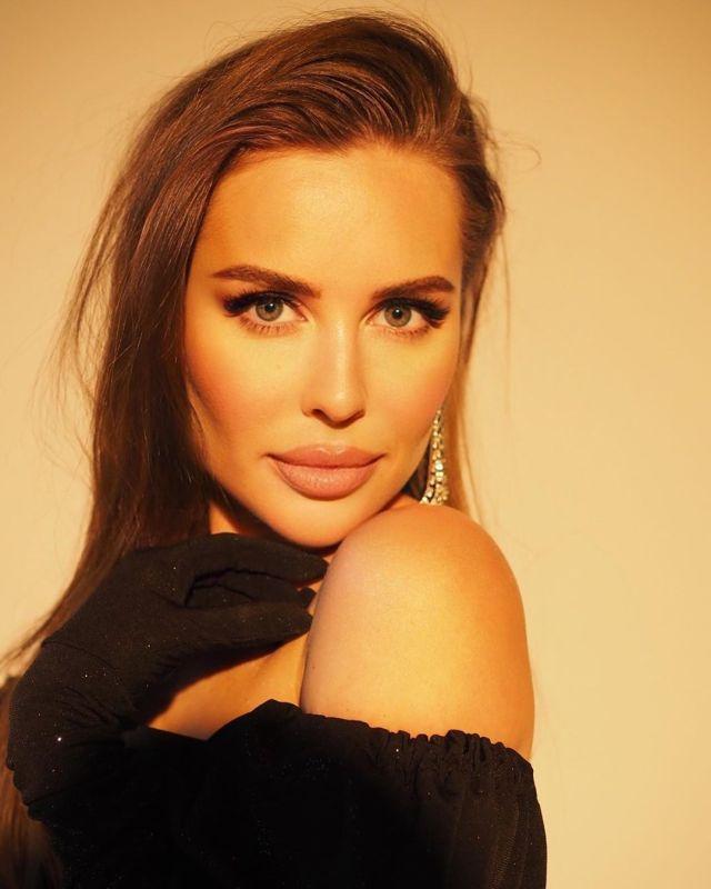 «Собой не торгую» Михалкова рассказала, как ей предложили миллион за 2 дня «развлечений»