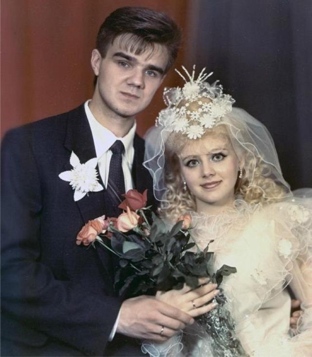 30 лет вместе: певица Натали показала редкие фото со своей свадьбы в 17 лет
