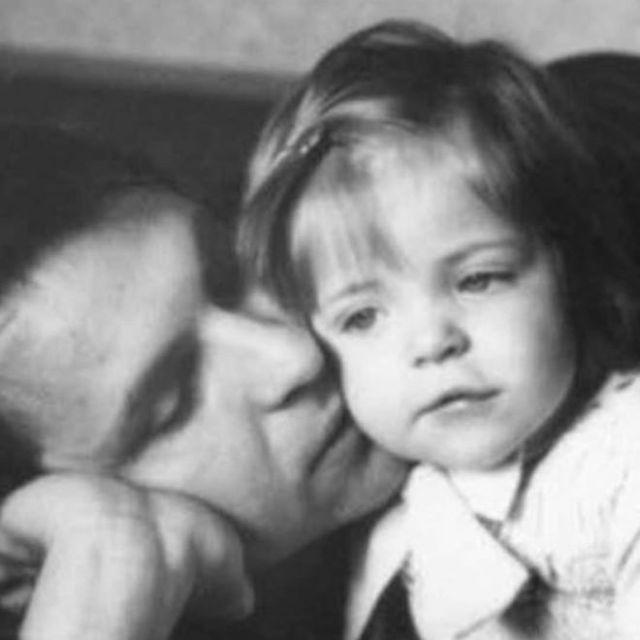 """""""Такой маму я уже и не помню"""": дочь Веры Глаголевой поделилась неизвестными фото мамы"""