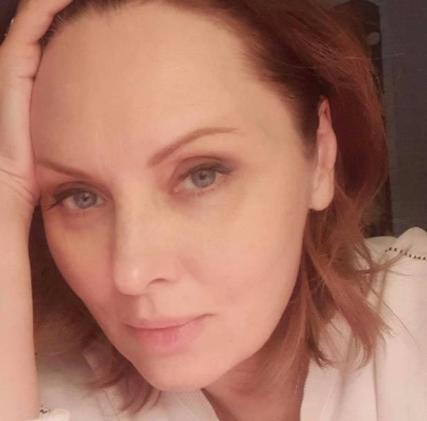 Где та Лена? 48-летняя Ксенофонтова показала себя крупным планом без макияжа